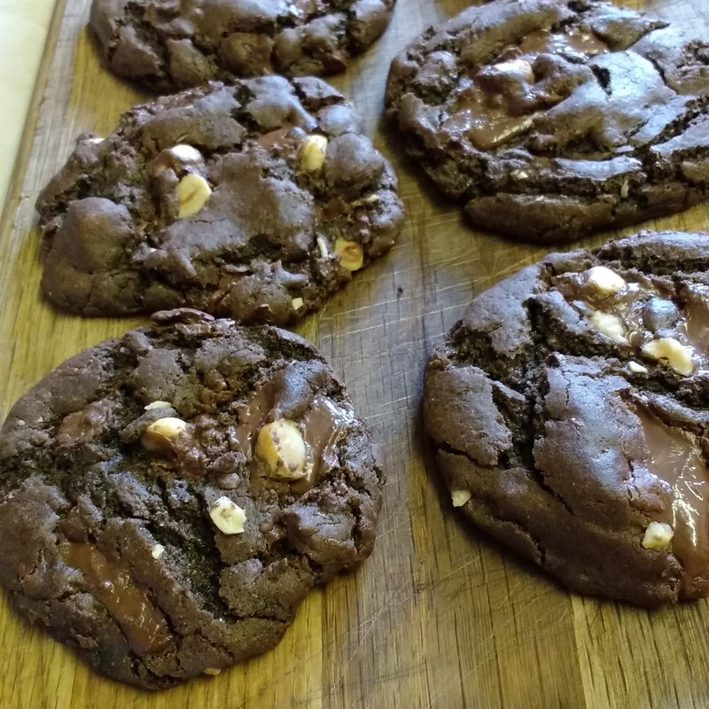 crust bakes chocolate cookies